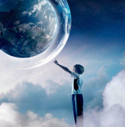 Un minuto de paz para el Mundo - niño tocando el mundo GAIA