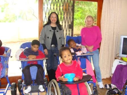 Niños Con celia
