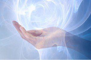 mano azul con energia - may copy