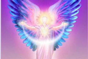 """""""Podéis elegir crear, unidos, una realidad de Paz y Amor"""", transmitido por el Arcángel Anael."""