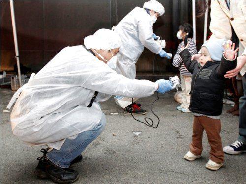 CRISIS JAPON 2011 - Traslado de personas por la fuga nuclear con riesgo de contaminacion