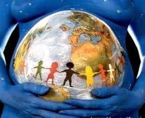 Madre Tierra3 Mi cuerpo se transforma: mi Nuevo rol de Mamá, ¿y ahora que hago? Honrando a nuestra esencia femenina