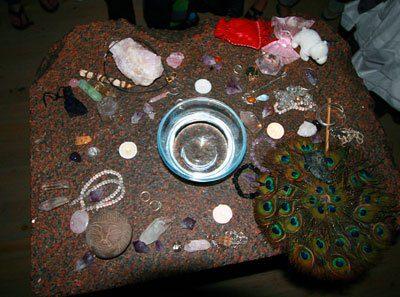Altar Orientación Cósmica: Sembrando la Semilla del Amor para una Nueva Dimensión por Aluna Joy Yaxk'in