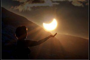 Transformador Ciclo de Eclipses de Junio  por Aluna Joy Yaxk'in