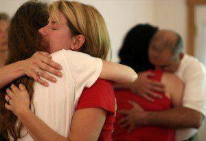 Grupo abrazos perdon