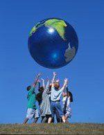 Niños - jugando con el planeta