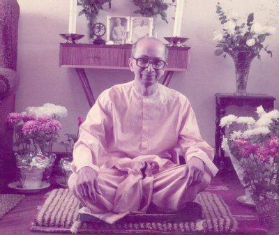 Swami Paratparananda
