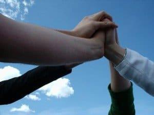 manos de ayuda hermandadblanca.org