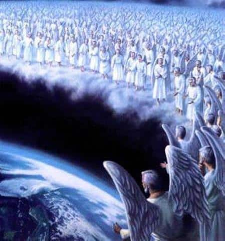 angeles mirando a la tierra