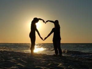 corazon-de-pareja, propósito relación, propósito pareja, acuerdo álmico, contrato álmico, karma, ley causa y efecto
