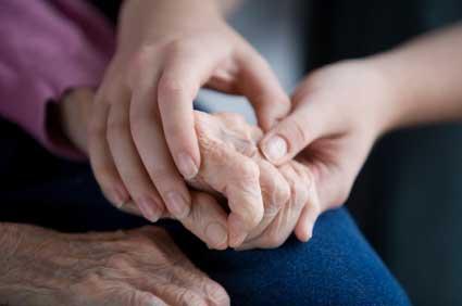 manos entrelazados