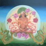 mujer-meditando-con-la-luna-de-fondo-403x405