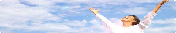julio andres pagano mujer abrazando el cielo