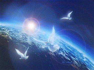 palomas volando en un cielo azul