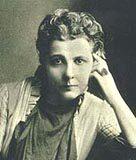 Annie Besant con cabeza apoyada en la mano