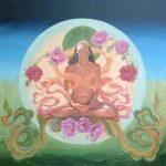 mujer-meditando-con-la-luna-de-fondo-298x300