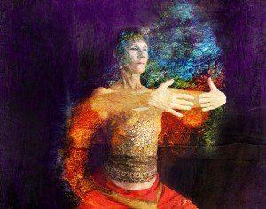 mujer en pose yoga sofia randall