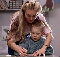 profesora y niño