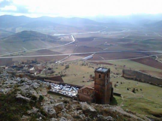 torre y montaña