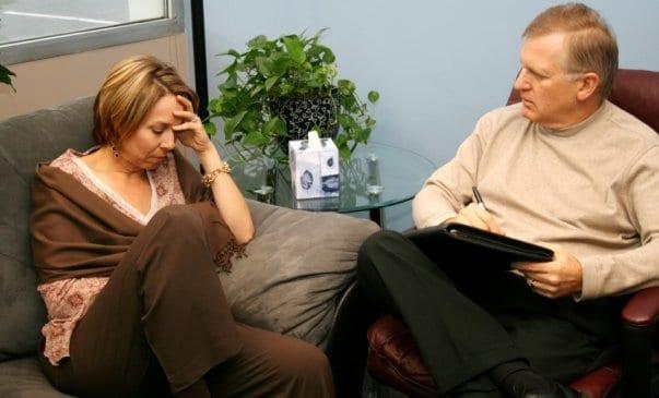 terapia terapeuta psicoterapia psicologo psicologia online internet videoconferencia telefono skype internet mundo conectado sesión presencial
