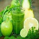 zumo verde frutas lima limón apio