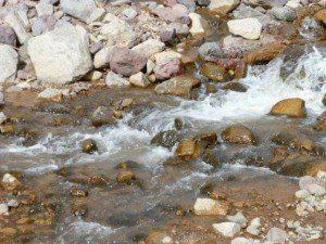 tierra con agua