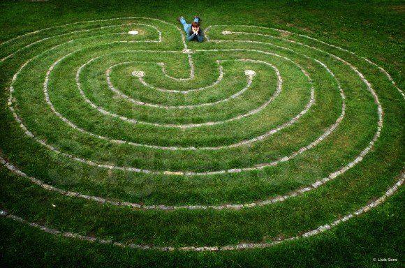 hermandadblanca.org Laberinto 580x384 ¿Qué es un viaje sagrado? sabiduria y conocimiento reflexiones personal manejo de las energias viaje Sagrado description multimedia