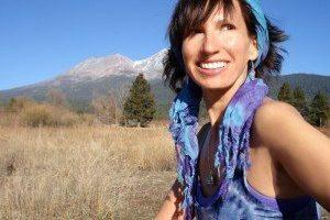 Sandra Walter: Aturdimiento de Mayo –  Amen La Experiencia De USTEDES