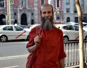 Swami Satyananda 605x470 300x233 Entrevista Swami Satyananda: El ser humano sigue aspirando a la plenitud