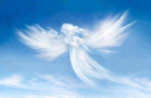 angel en forma de nube