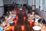 hermandadblanca chankuap enfermeras mundo comedor 2014 620×415.jpg - Fundación Chankuap (Ecuador) y Enfermeras Para el Mundo, solicitan ayuda para combatir la malnutrición de niños y niñas en la Amazonía ecuatoriana, Diciembre 2014 - hermandadblanca.org