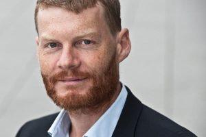 """Entrevista a Christian Felber: """"Los bancos deberían aspirar por ley al bien común"""""""