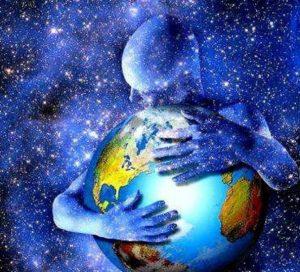 ser luz abrazando la tierra
