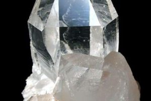 Cristal de Cuarzo transparente: Puente Cósmico entre el Cielo y la Tierra