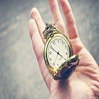 tiempo- manos y un reloj