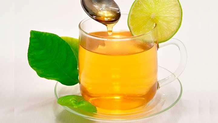 Porque tomar agua con miel de abeja en ayunas