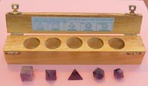 hermandadblanca figuras geometricas 300×175.jpg - Los sólidos Platónicos son considerados las formas de los componentes fundamentales del Universo físico - hermandadblanca.org