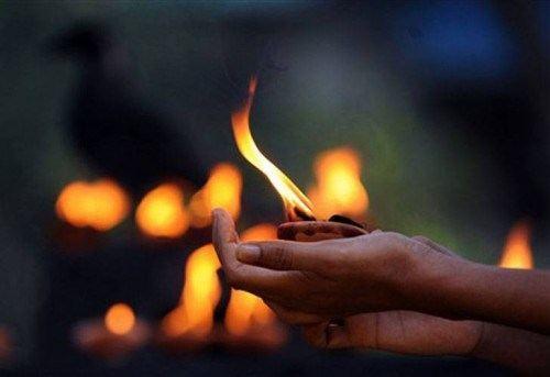budismo-tibetano-buda-lampara-aceite