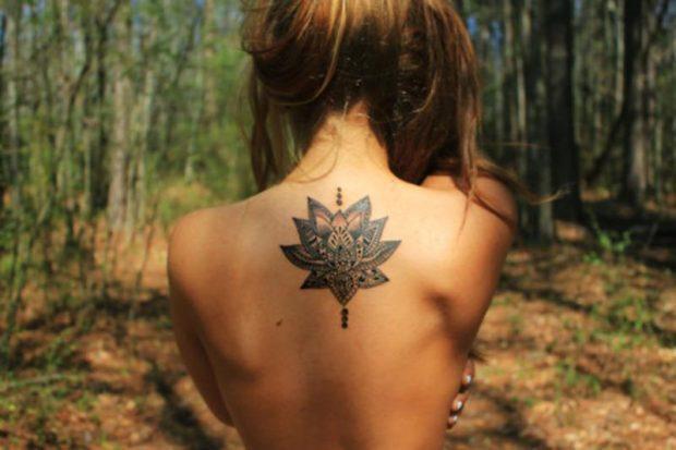 Los Tatuajes de mandalas son representaciones de poder que transmiten y atraen energías que pueden canalizarse con los chakras.