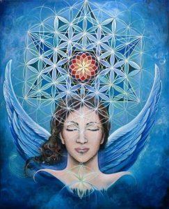 mujer con alas y flor de la vida