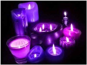 velas de colores fondo violeta- las pleyadianas