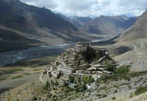 hermandadblanca org clave gompa monasterio milenario tibetano budista 634×435 300×206.jpg - Viajes espirituales al antiguo Monasterio de Clave Gompa - hermandadblanca.org