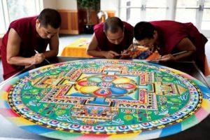 El Mandala Tibetano – bellezas en la arena