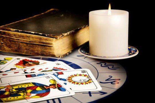 Tarot esoterico en consulta con tarotistas