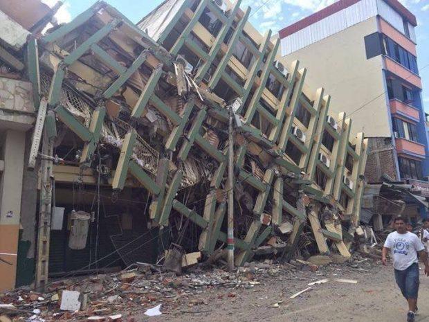 terremoto_ecuador_2016_edificio_derrumbado