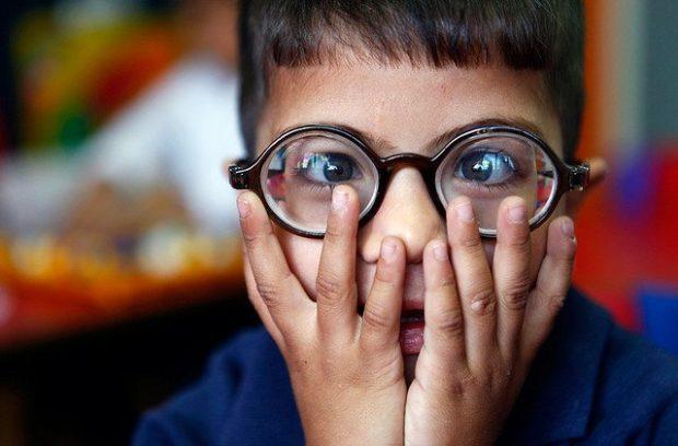 niño con discapacidad visual