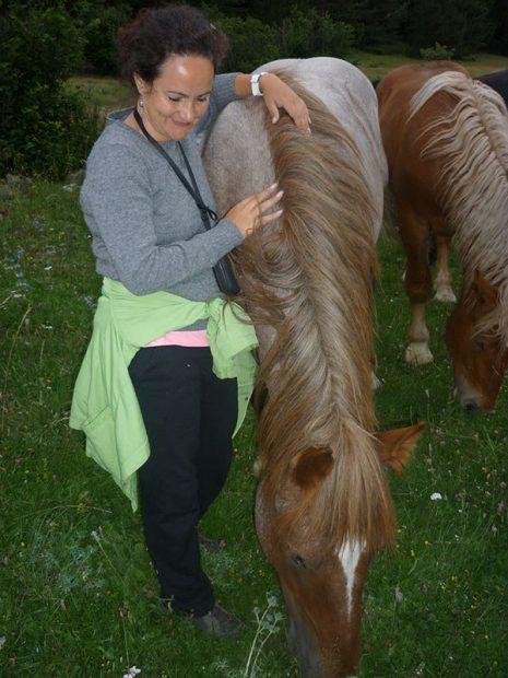 20160721_reikiychamanismo_com_caballo_equinoterapia_terapia_abrazo