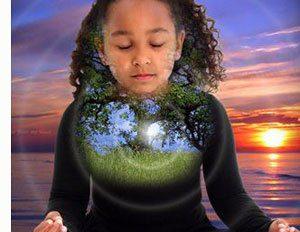nina-meditando-corazon