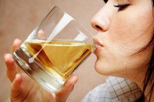 14 Beneficios para la salud de la orinoterapia