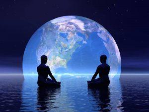 20160930_pareja_meditacion_gaia_tierra_mundo_espacio_universo